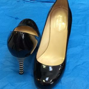 Kate spade Italian patent pump with striped heel!!